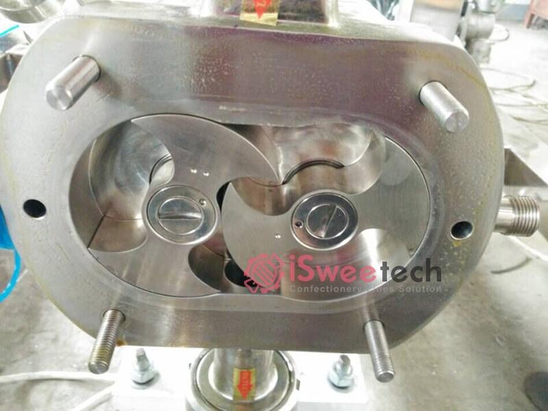 Lobe Pump With Jacked Warm-Keeping detail